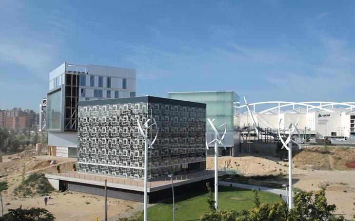 Señalización Digital, cartelería digital en el Edificio de Emisiones Cero en Zaragoza